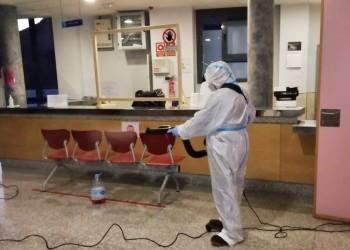 Los 18 centros de salud del medio rural abulense, tratados con viricida por los equipos de la Diputación (2º Fotografía)