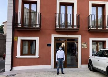 Serranillos cuenta con su primer hotel rural dedicado al turismo de estrellas (2º Fotografía)