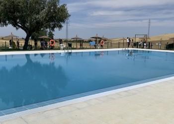 Santa María del Cubillo estrena piscina construida con el Plan Extraordinario de la Diputación (2º Fotografía)