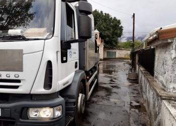 La Diputación actúa en Riatas para limpiar el agua y los arrastres ocasionados por las lluvias (2º Fotografía)