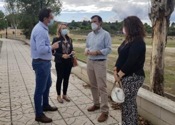 Del Nogal visita las parcelas de Sotillo y Arévalo donde se levantarán dos de los parques de bomberos (2º Fotografía)