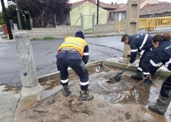 Más de cien operarios de la Diputación se despliegan para limpiar los destrozos causados por las lluvias (2º Fotografía)