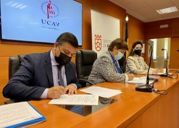 La Diputación impulsa junto a la UCAV una Cátedra para el estudio de la obra política de Adolfo Suárez (2º Fotografía)
